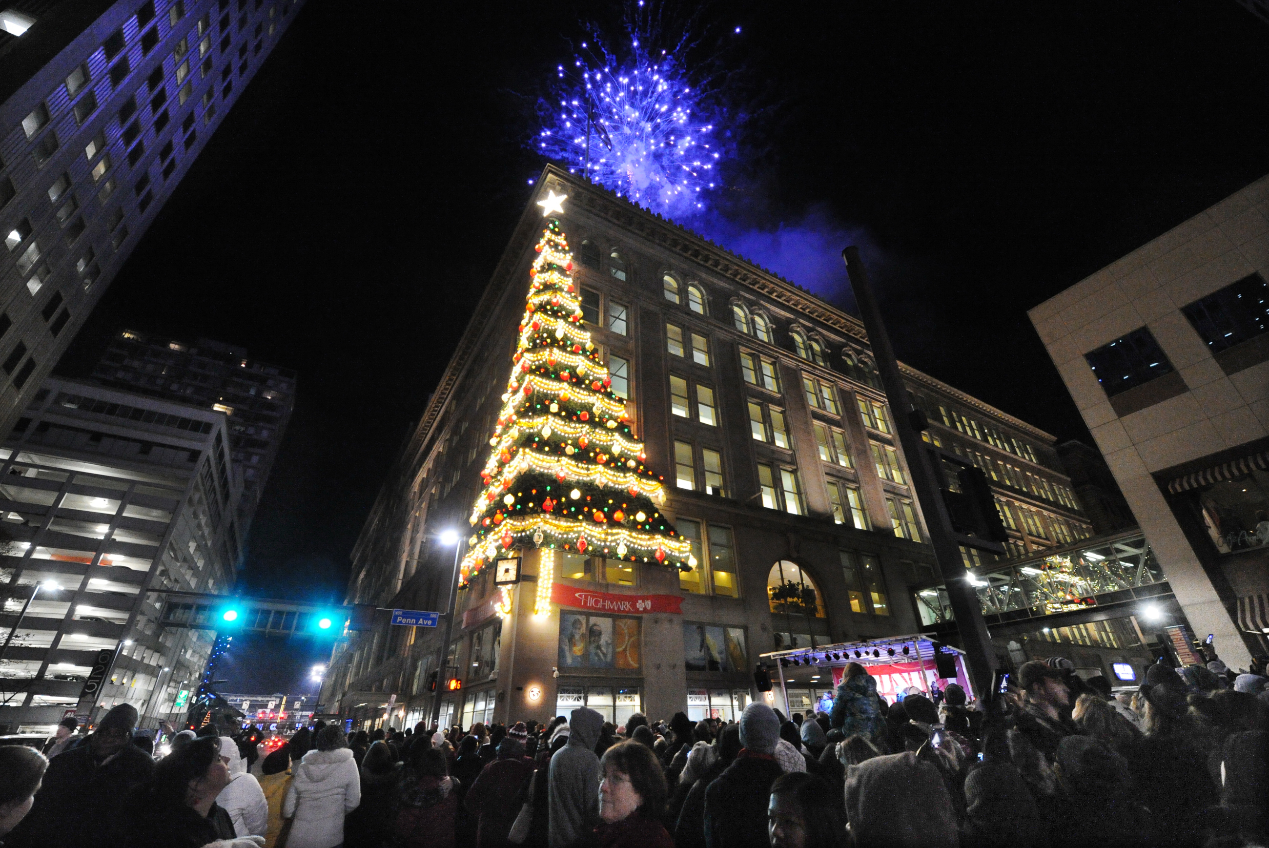 Your guide to Pittsburghs 2015 Light Up Night  Pittsburgh Post