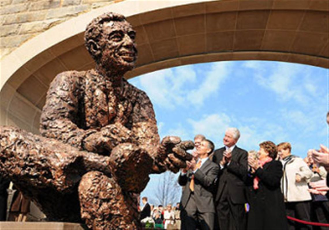 Mr Rogers Takes Rightful Place At Riverside Tribute Pittsburgh Post Gazette