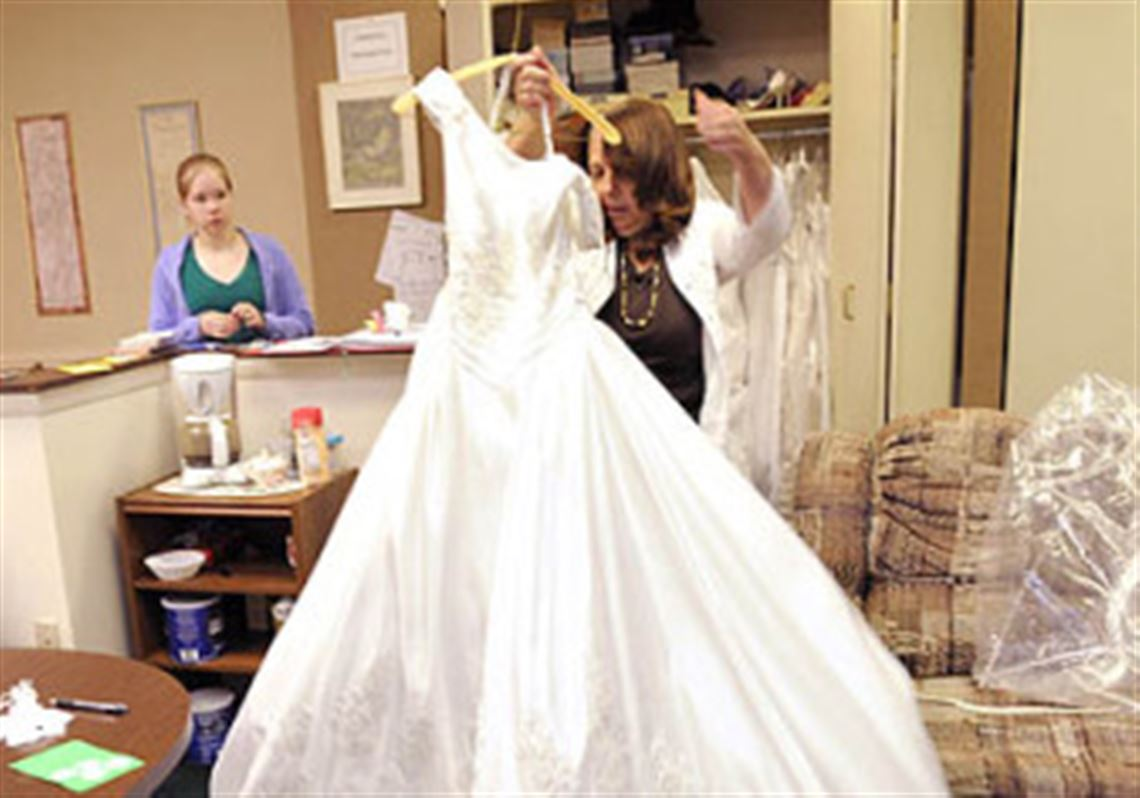 Nonprofit Hopes Gown Sale Brings In Funds Pittsburgh Post Gazette
