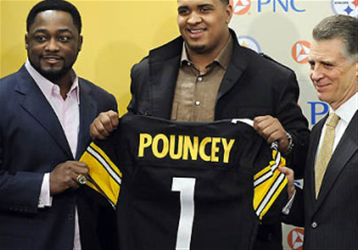Steelers Pouncey left college to help family
