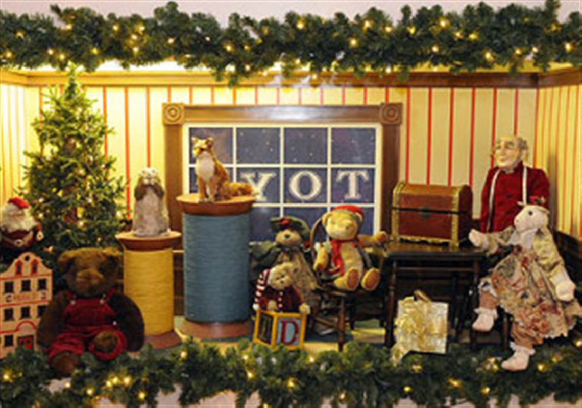For some Pittsburgh-area companies, holiday decorating is a year ...