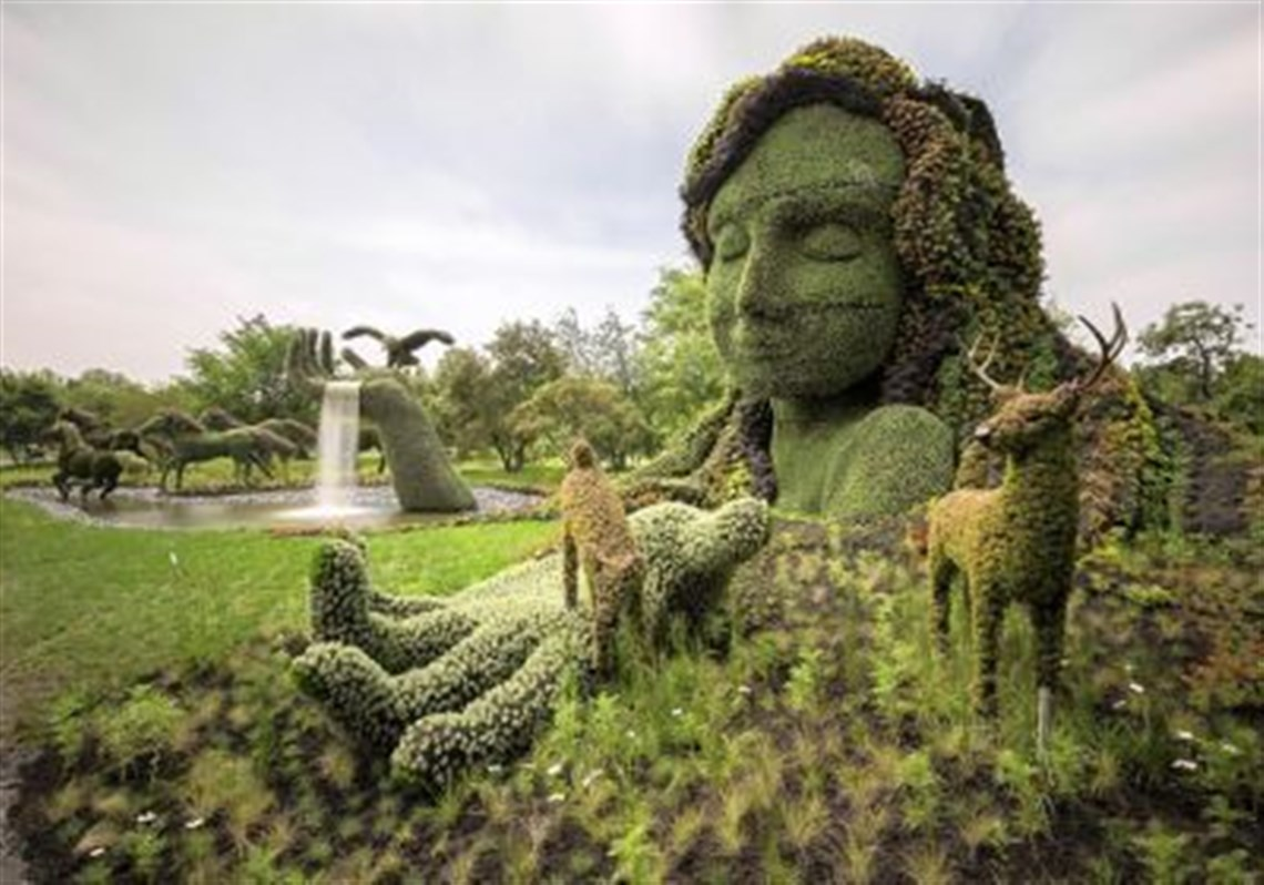 Mother Earth Is Nearly 45 Feet High And Made Entirely Of Live Plants  Growing In A