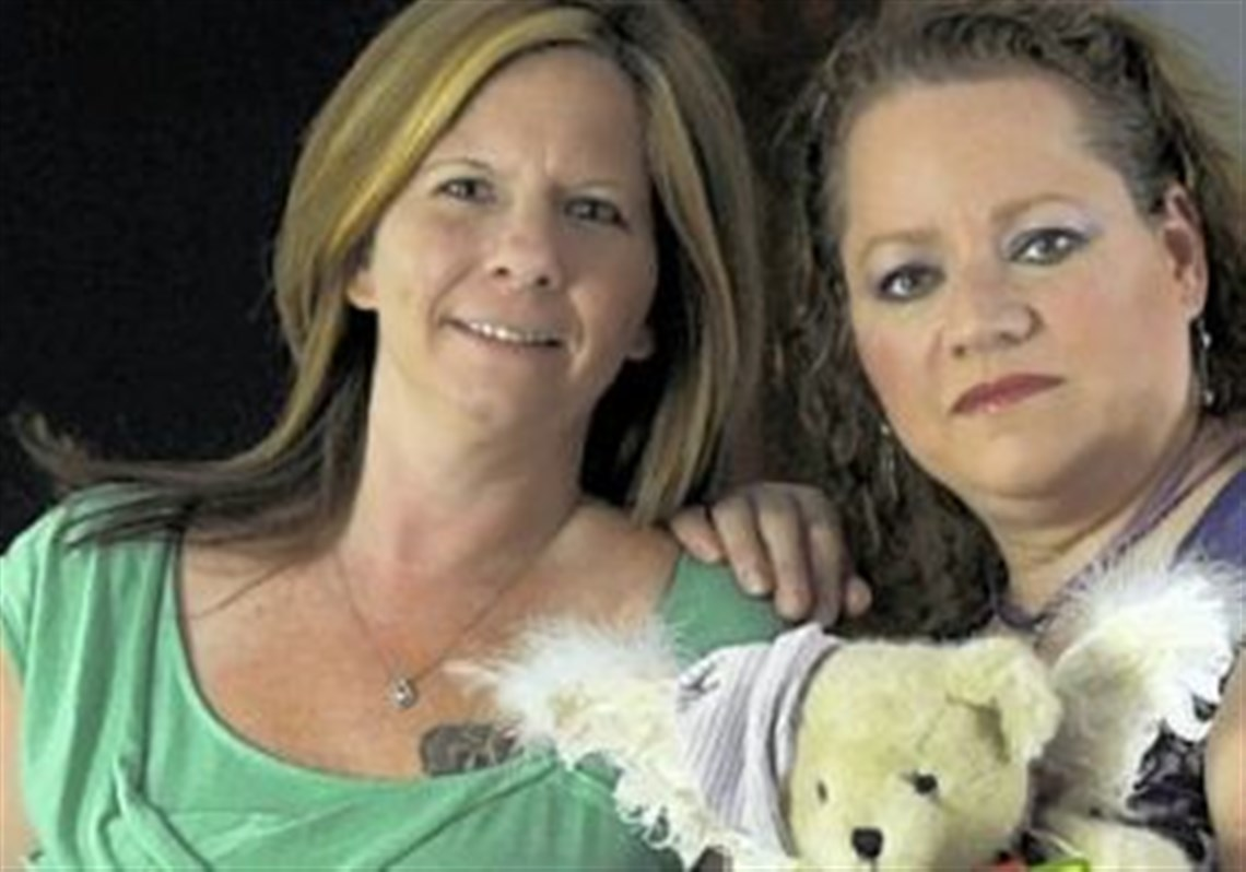 Mothers of stillborns to get birth not death certificate shawn betts left and tammy tobac hold mementos of their stillborn children the aiddatafo Choice Image
