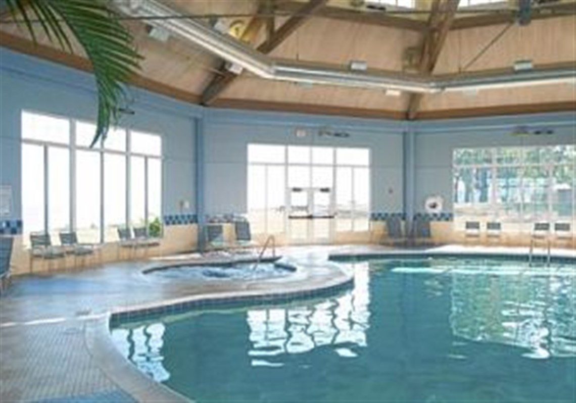Etonnant The Lodge Features An Indoor Pool And A Heated Outdoor Pool With Water Toys.