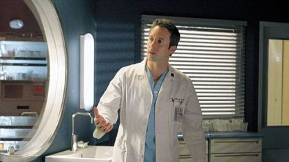 "Alex O'Loughlin Alex O'Loughlin portrays Dr. Andy Yablonski on ""Three Rivers,"" the CBS medical drama that is set in Pittsburgh."