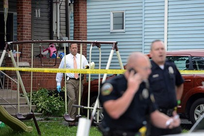 Allegheny County police Allegheny County police respond to the scene of a double shooting Tuesday in which a 25-year-old woman was found dead on Spring Garden Avenue in Reserve.