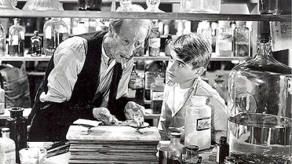 "Bob Anderson, right Bob Anderson, right, seen here in 1946 at the age of 12 in the role of George Bailey with H.B. Warner in the Christmas classic ""It's a Wonderful Life,"" died Friday at the age of 75."