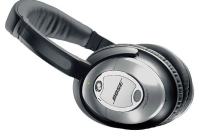 Bose headphones Bose QuietComfort 15 Acoustic Noise Cancelling headphones.