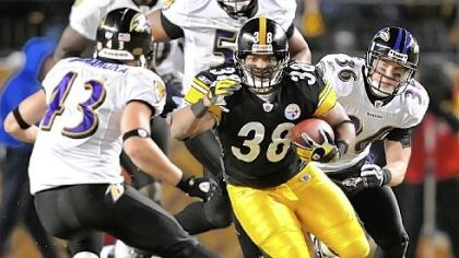 Carey Davis The Steelers re-signed fullback Carey Davis.