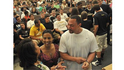 charlie batch Steelers quarterback Charlie Batch and Latasha Wilson-Batch, center, talk with Candi Castleberry-Singleton, founder of the Dignity and Respect Campaign before an event at Brentwood High School to deal with an incident at a Brentwood-Monessen sporting event. The assembly, held in the Brentwood auditorium, included participants from Monessen.