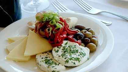 Cheese, pepper and olive appetizer Cheese, pepper and olive appetizer plate.