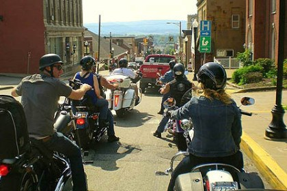 Cycle 2 The Wings of Eagles ride along Route 31 enroute to Johnstown.
