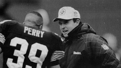 Darren Perry and Dom Capers Former Steelers Dom Capers and defensive back Darren Perry. Both are currently coaches with the Packers.