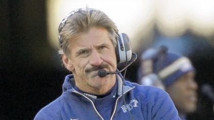 Dave Wannstedt Dave Wannstedt walks the sideline in Pitt's loss to West Virginia in November.