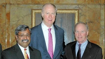 Dr. Srinivas Murali, David Gergen and Dr. George J. Magovern, Jr. Dr. Srinivas Murali, David Gergen and Dr. George J. Magovern, Jr.
