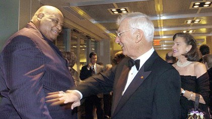Ernie Holmes with Dan Roonet Steelers chairman Dan Rooney, right, greets Ernie Holmes at the Senator John Heinz History center for the opening of its sports museum in November 2004.