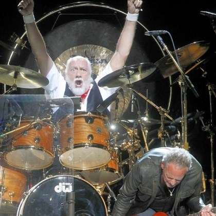 Fleetwood Mac Drummer Mick Fleetwood and guitarist Lindsey Buckingham perform during a Fleetwood Mac concert on April 8 at Madison Square Garden in New York. The group will be at the Consol Energy Center Friday.