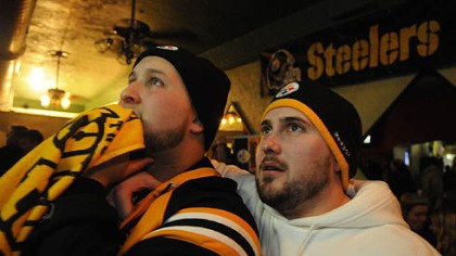 Folino's Ristorante Cousins Tom Falana, left, of Wethersfield, Conn., and Jay Sirois, of Chicago, rooted for the Steelers at Folino's, on the South Side.