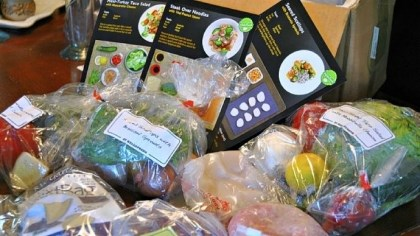 HelloFresh HelloFresh: All the ingredients are delivered in an insulated box to the customer's door. Everything is pre-measured and bagged separately.
