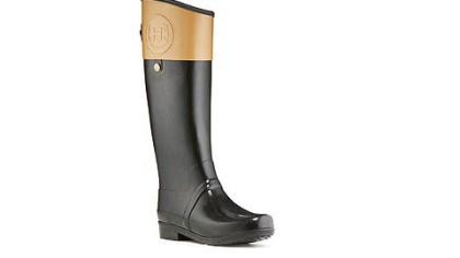 Hunter Boot's Regent Carlyle equestrian rubber Wellie Hunter Boot's Regent Carlyle equestrian rubber Wellie, shown in black with cafe latte, is also available in black with chocolate contrast or brown with dark olive contrast. It retails for $195. www.hunter-boot.com