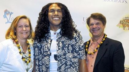 Jan and Richard Piacentini with a statue of Troy Polamalu Jan and Richard Piacentini with a statue of Troy Polamalu.