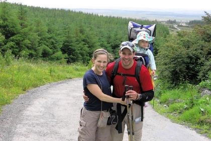 Jeff, Beth and Madison Alt on hike Jeff Alt, with his wife, Beth, and daughter Madison in 2006. Mr. Alt has writtena book about hiking with children.