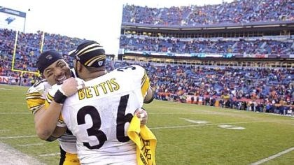 jerome bettis in 2006 Hines Ward congratulates Jerome Bettis after the Steelers defeated the Broncos, 34-17, in Denver in 2006.