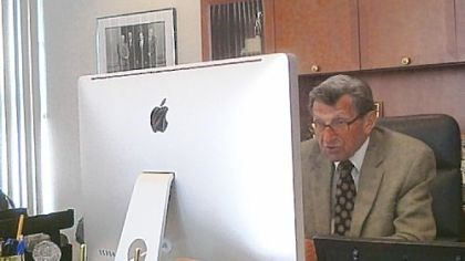 Joe Paterno A photo taken from Penn State quarterbacks coach Jay Paterno's Twitter account shows Joe Paterno working at his computer. The veteran coach uses web tools such as Skype to communicate with potential football recruits.