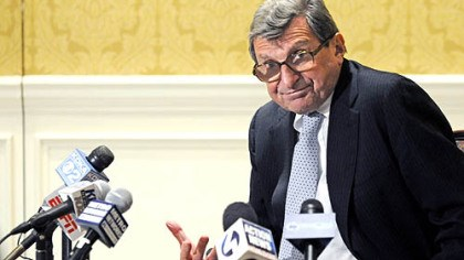 Joe Paterno at Duquesne Club Penn State coach Joe Paterno fields questions at a news conference yesterday at the Duquesne Club.