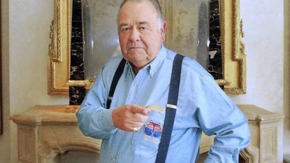 "Jonathan Winters Jonathan Winters in 1997: ""I decided that I would not change -- not necessarily in this order -- my politics, my religion and my allegiance to the Cincinnati Reds."""