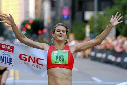 kampf Heather Kampf wins the Women's Pro GNC Live Well Liberty Mile.