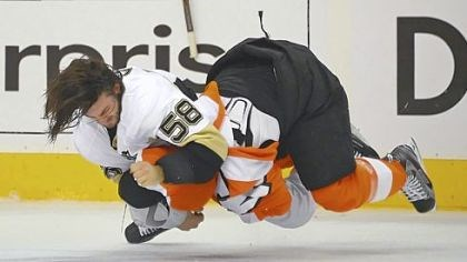 Kris Letang Kris Letang takes down the Flyers' Kimmo Timonen in what was a heated game Sunday in Philadelphia. The Penguins lost, 8-4, to go down, 3-0, in the series.
