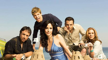 "Life's a beach Kevin Nealon, Hunter Parrish (looking all grown up), Mary-Louise Parker, Justin Kirk and Elizabeth Perkins star in ""Weeds"" on Showtime."