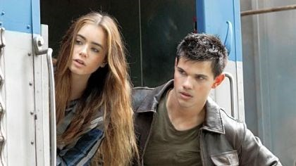 "Lily Collins and Taylor Lautner Lily Collins and Taylor Lautner in ""Abduction."""