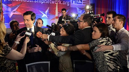 Luis Fortuno Puerto Rico Gov. Luis Fortuno was mobbed by reporters at a Hispanic Leadership Network event on Tuesday.