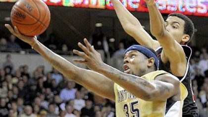 Nasir Robinson Pitt forward Nasir Robinson is expected to miss 3-6 weeks due to surgery on his right knee.