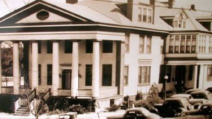 On Jan. 19, 1911, the Elizabeth Steel Magee Hospital On Jan. 19, 1911, the Elizabeth Steel Magee Hospital opened in the Christopher Lyman Magee homestead known as The Maples on Forbes Avenue and Halket Street.