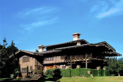 Pasadena's Gamble House Pasadena's Gamble House is the country's best-known example of Craftsman style.