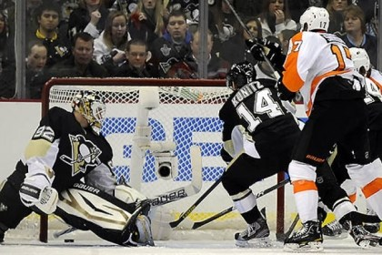 Pens at home Philadelphia's Wayne Simmonds scores in Wednesday's game on Penguins goaltender Tomas Vokoun. Will the home losing woes be cured in time for tonight's visit by Florida?