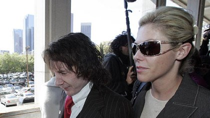 Phil and Rachelle Spector Phil and Rachelle Spector arrive at the Criminal Justice Center in Los Angeles in March. They met at a restaurant in 2003 and were married in September 2006.