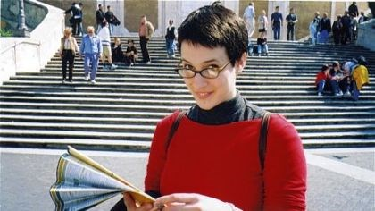 Remembering Stacy Gross Artist Stacy Rae Gross in Italy, 2003.