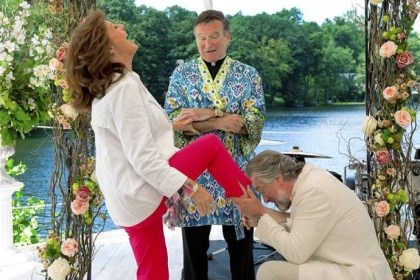 "Review: ""The Big Wedding"" Susan Sarandon, Robin Williams and Robert De Niro are part of a star-studded cast in ""The Big Wedding."""
