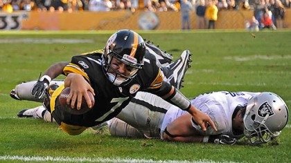 Roethlisberger dives Steelers quarterback Ben Roethlisberger dives in to the endzone for a touchdown in the first half.