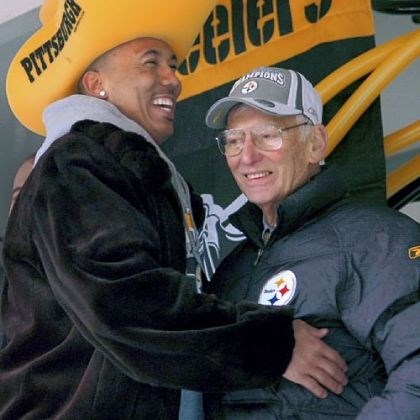 rooney and hines ward Steelers Hines Ward greets team owner Dan Rooney on the stage during a parade for the Super Bowl XL champion Pittsburgh Steelers.