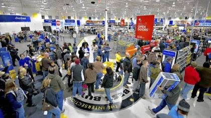 Shoppers crowd Best Buy Shoppers crowd a Best Buy store on Black Friday in Peoria, Ill.