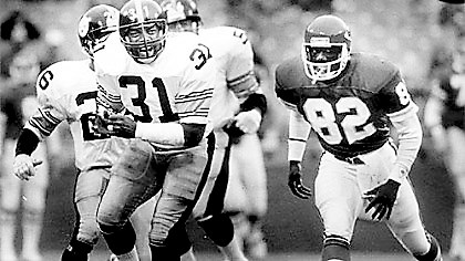 Steeler Donnie Shell A pass intended for Kansas City Chiefs Anthony Hancock, right is broken up by Steelers Donnie Shell, 31, 1987.
