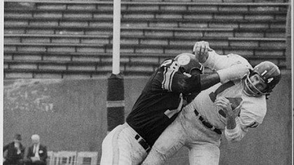 Steelers DE John Baker hits Y.A. Tittle 