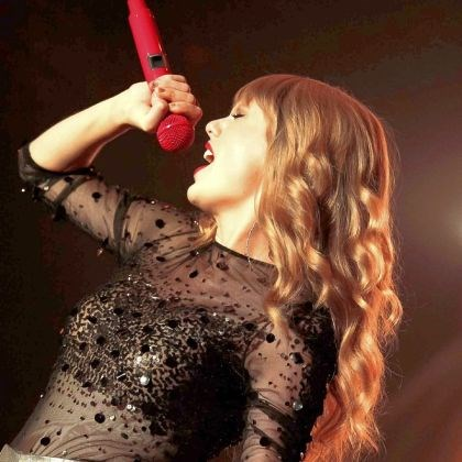 Swift Taylor Swift opened for Tim McGraw and Faith Hill's Soul 2 Soul tour at Mellon Arena in 2007.