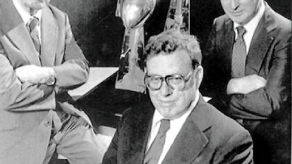 The Rooneys Steelers owner Art Rooney Sr. with his sons Art Jr., center, and Dan Rooney, and their three Vince Lombardi trophies from their Super Bowl victories in the 1970s.