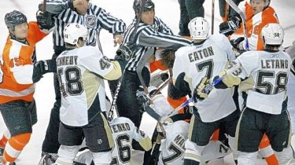 The second-period fight The second-period fight yesterday in Philadelphia: The turning point in the game?